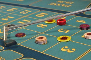 Comparing RNG, real casino and online roulette.